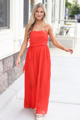 Model wearing the Front Tie Pleated Maxi Dress with sunglasses