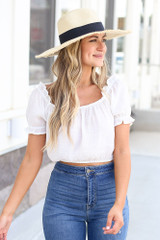 White - cute crop top at dress up with puff sleeves