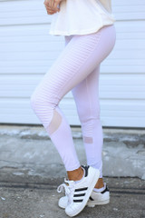 Close Up Side View of the Moto High-Rise Leggings in Lavender