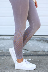 Mauve - Close Up Side View of the Seamless High-Waisted Leggings