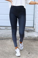 Charcoal - Close Up of the Ombre High-Waisted Leggings