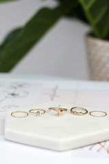 Gold - Knotted Ring Set from Dress Up