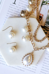 White - Statement Necklace + Earrings Set
