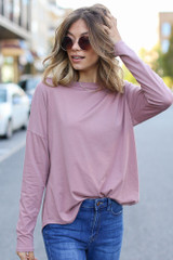Mauve - Model wearing a Basic Oversized Tee with skinny jeans