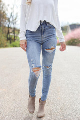 Light Wash - Distressed Skinny Jeans
