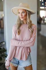 Blush - Dress Up model wearing a Light Knit Pullover with a wide brim hat