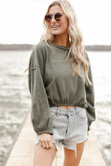 Olive - Cropped Pullover