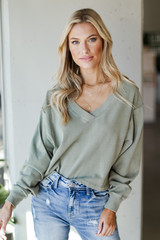 Olive - Model wearing a Cropped Pullover with jeans