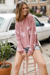 Mauve - Model wearing an Oversized Star Pullover