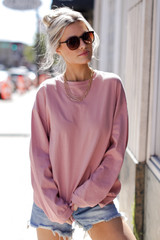Blush - Model wearing an Oversized Pullover