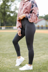 High-Waisted 7/8 Leggings in Charcoal Side View