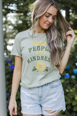 Model wearing the Treat People With Kindness Graphic Tee
