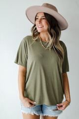 Olive - Dress Up model wearing an Everyday Tee with a wide brim hat