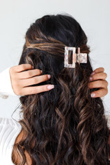 Dress Up model wearing a Claw Hair Clip in Blush