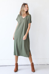 Olive - Model wearing a Midi Dress with booties