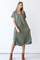 Olive - Dress Up model wearing a Midi Dress with booties