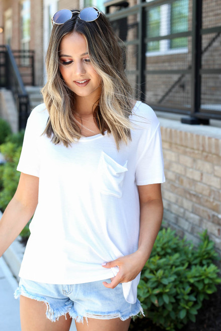 White - Relaxed Fit Basic Pocket Tee