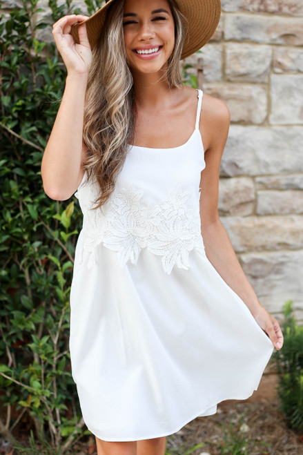White - Sleeveless Crochet Lace Dress Detail View