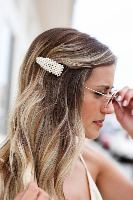 White - Pearl Hair Clip On Model Close Up