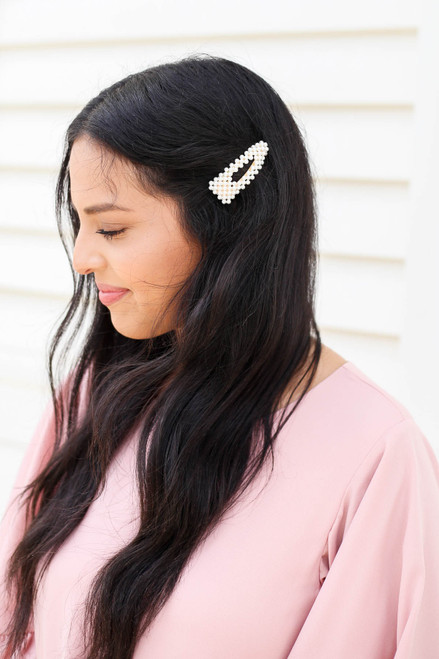 White - Pearl Cut Out Hair Clip on Model