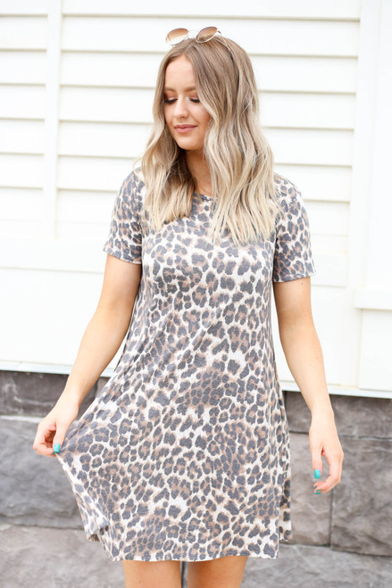 Model wearing Leopard Print Basic T-Shirt Dress Front View