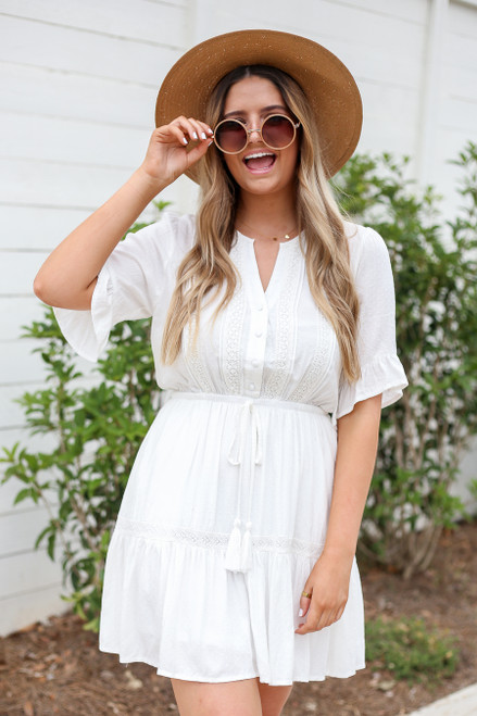Model wearing White Crochet Ruffle Sleeve Boho Dress Front View