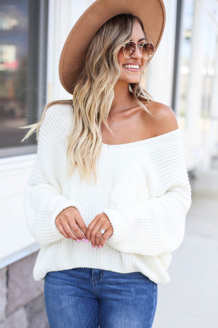 Ivory - V-Neck Cropped Sweater