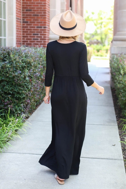 Model wearing Black 3/4 Sleeve Basic Maxi Dress
