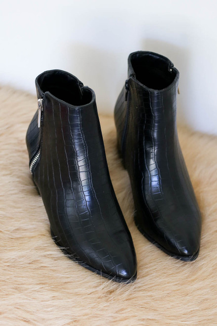Black - Pointed Toe Crocodile Embossed Ankle Booties Product Photo