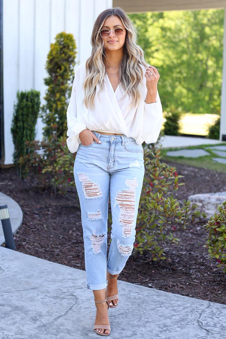 Light Wash - distressed denim jeans at dress up