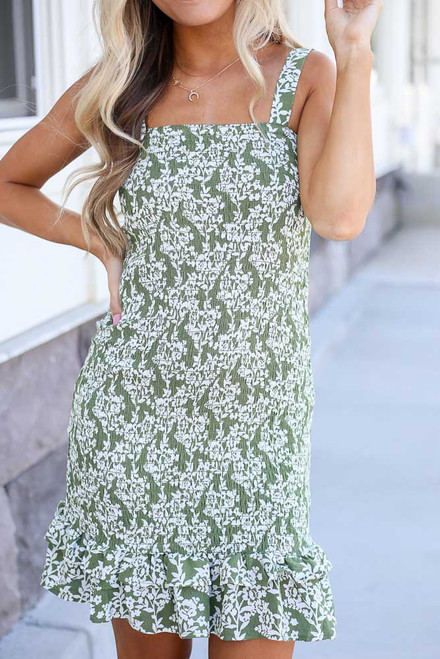 Olive - close up cute floral dress at dress up
