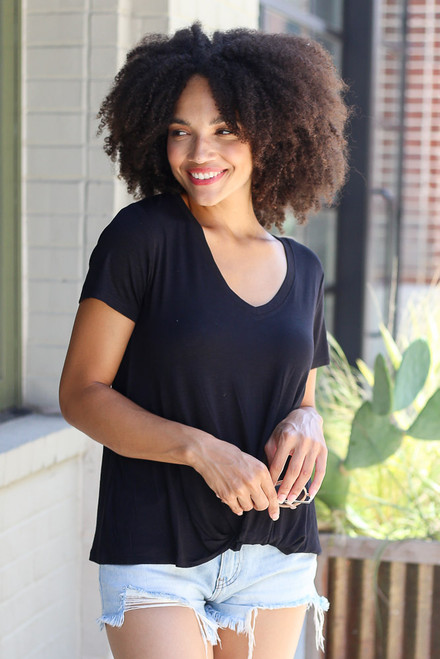 Black - V-Neck Knotted Tee