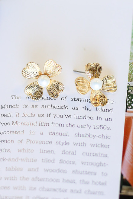 Gold - Flower Stud Earrings from Dress Up