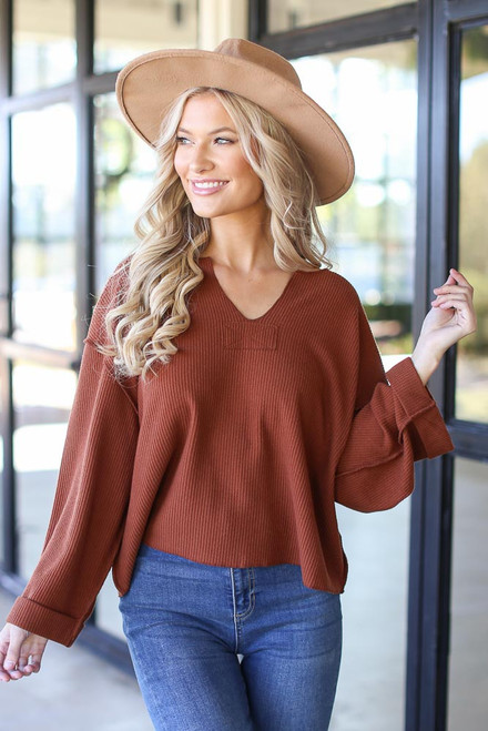 Camel - Dress Up model wearing an Oversized Waffle Knit Top with a wide brim hat