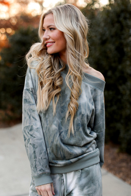 Sage - Oversized Tie-Dye Pullover