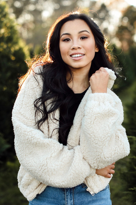 Ivory - Model wearing a Cropped Sherpa Jacket