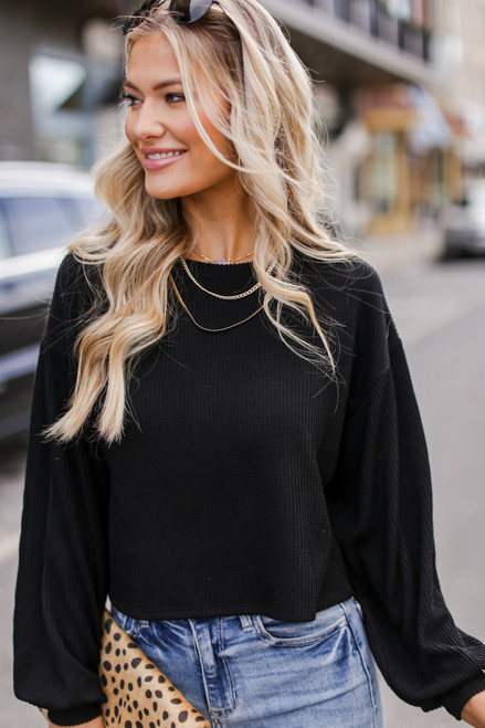 Black - Ribbed Knit Crop Top