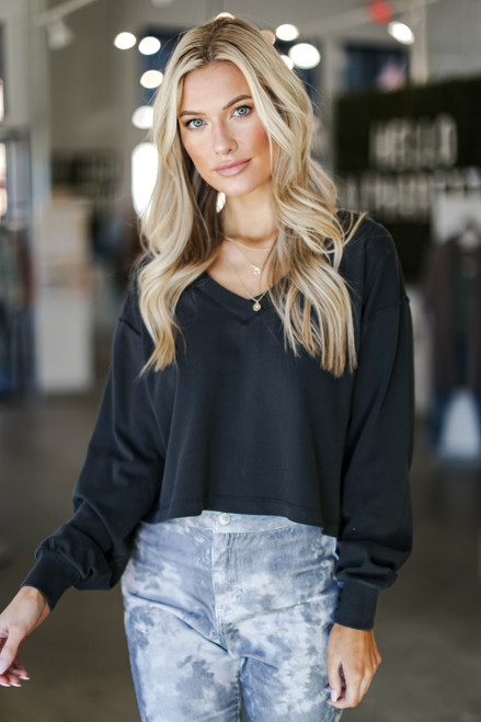 Black - Cropped Pullover