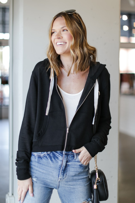Black - Cropped Zip-Up Hoodie