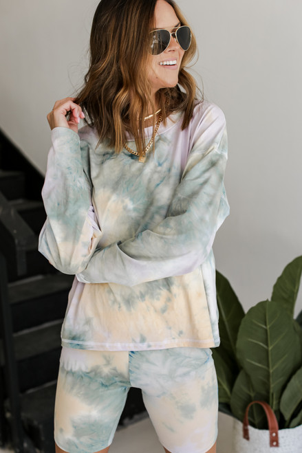 Sage - Lightweight Tie-Dye Pullover from Dress Up