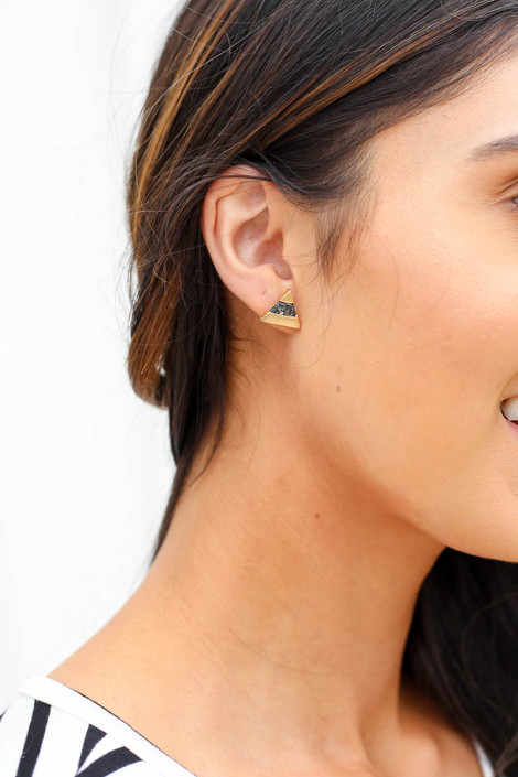 Black - And Gold Stone Triangle Stud Earrings on Model