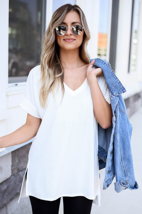 Ivory - Oversized Soft Knit V-Neck Tee
