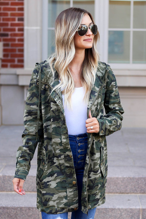 Model wearing Camo Lightweight Oversized Parka