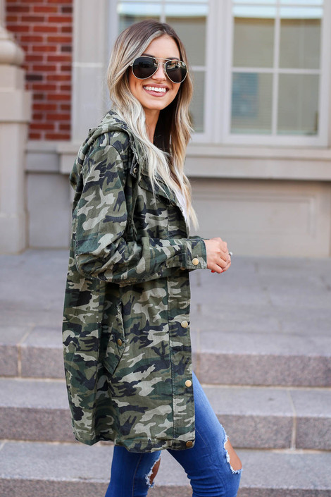 Model wearing Camo Lightweight Oversized Parka Side View