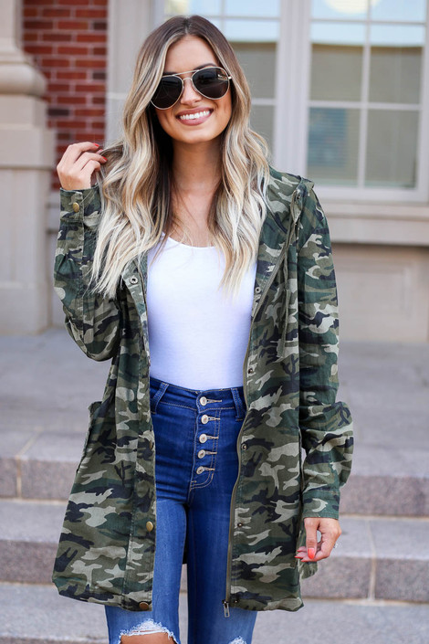 Model wearing Camo Lightweight Oversized Parka Front View