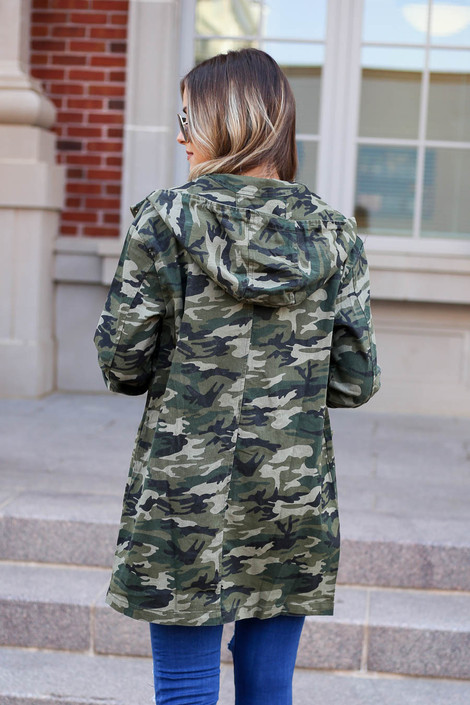 Model wearing Camo Lightweight Oversized Parka Back View