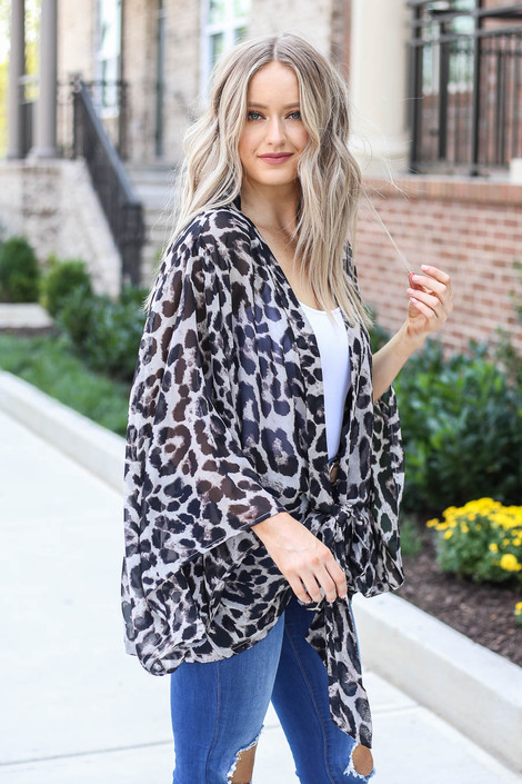 Model wearing Grey Tie-Front Sheer Leopard Print Kimono From Dress Up Side View