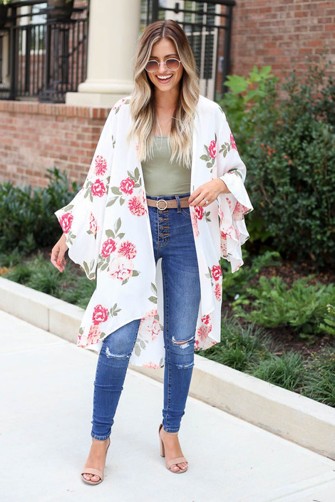 Model wearing the Dacey Floral Ruffle Sleeve Kimono in white- outfit view