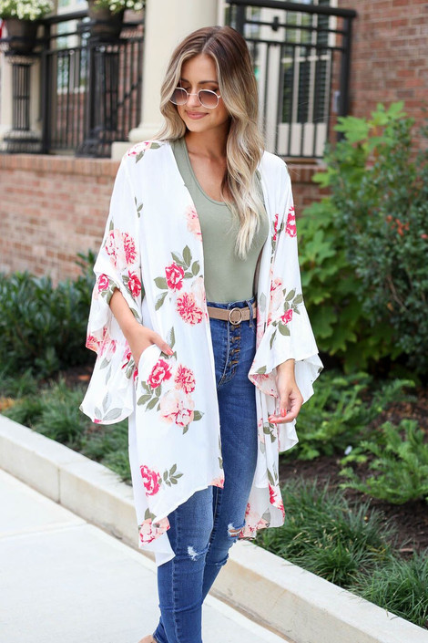 White - Model wearing the Dacey Floral Ruffle Sleeve Kimono in white front view