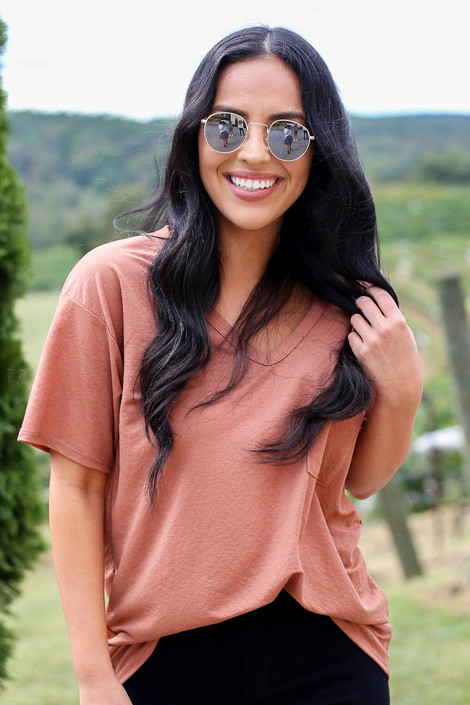 Rust - V-Neck Basic Tee